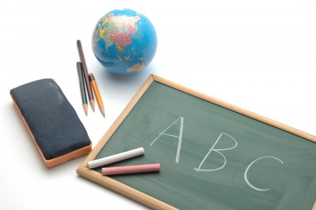 おうちで赤ちゃんの英語教育。いつから何を始める?